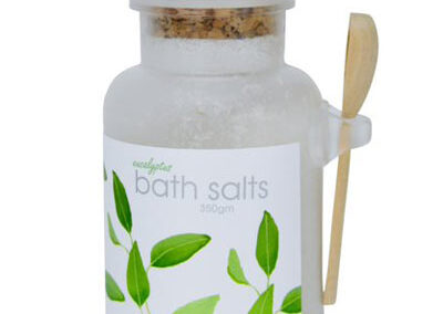 Exfoliating bath salts